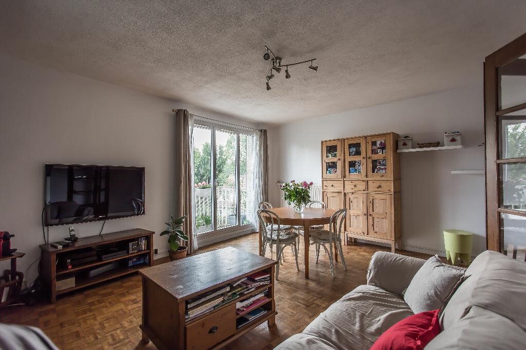 Achat Appartement 3 pièces à Saint-Maur-des-Fossés - vignette-1