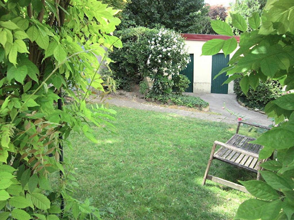 Location Appartement 4 pièces à Joinville-le-Pont - vignette-1