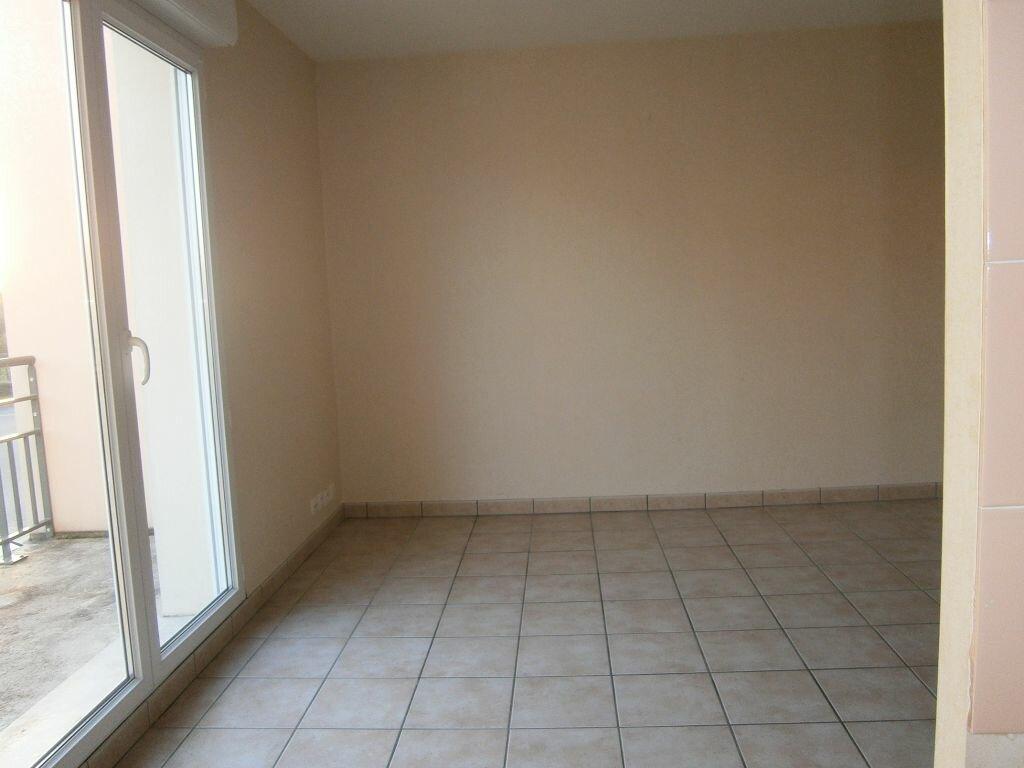 Location Appartement 3 pièces à Beuzeville - vignette-1