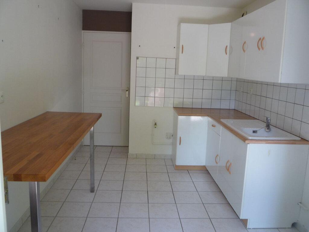 Achat Appartement 4 pièces à Beuzeville - vignette-5