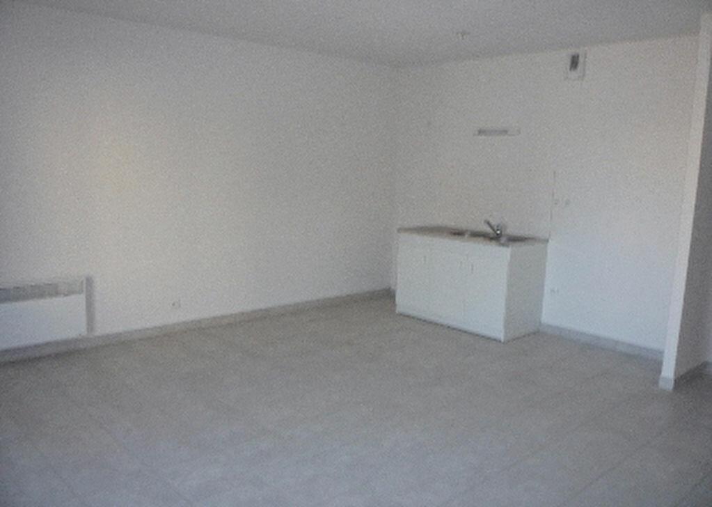 Location Appartement 1 pièce à Beuzeville - vignette-1
