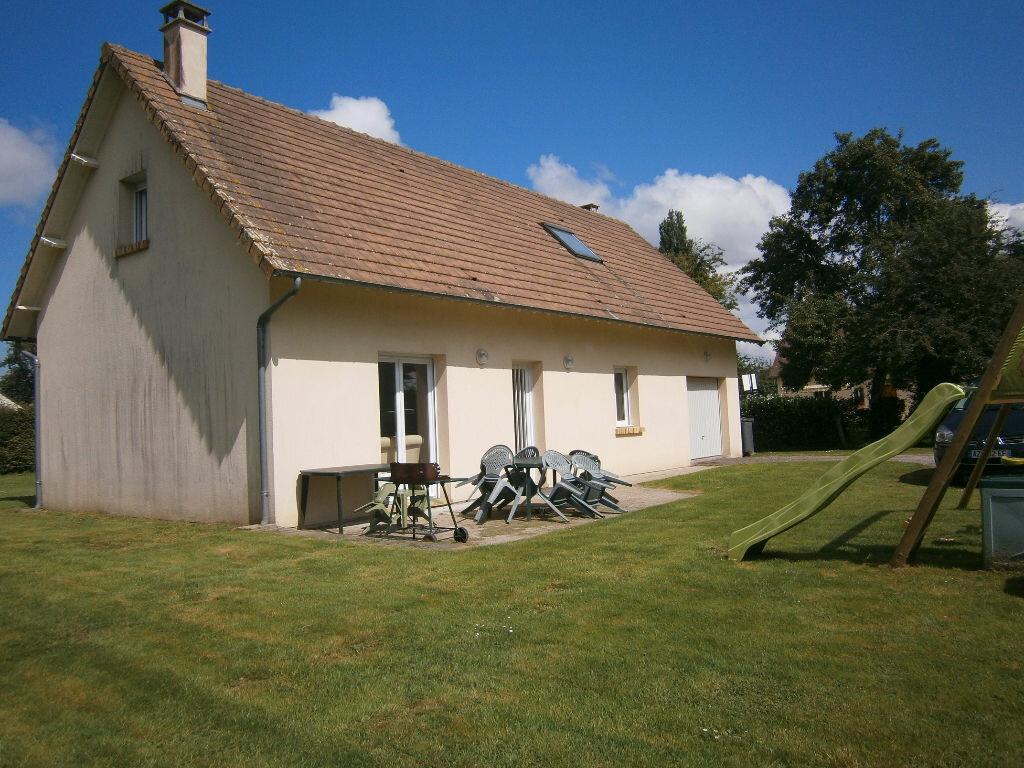 Location Maison 5 pièces à Boulleville - vignette-1