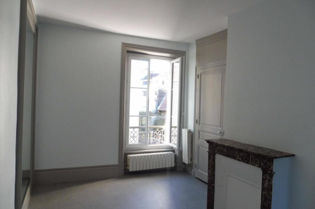 Location Appartement 3 pièces à Limoges - vignette-5