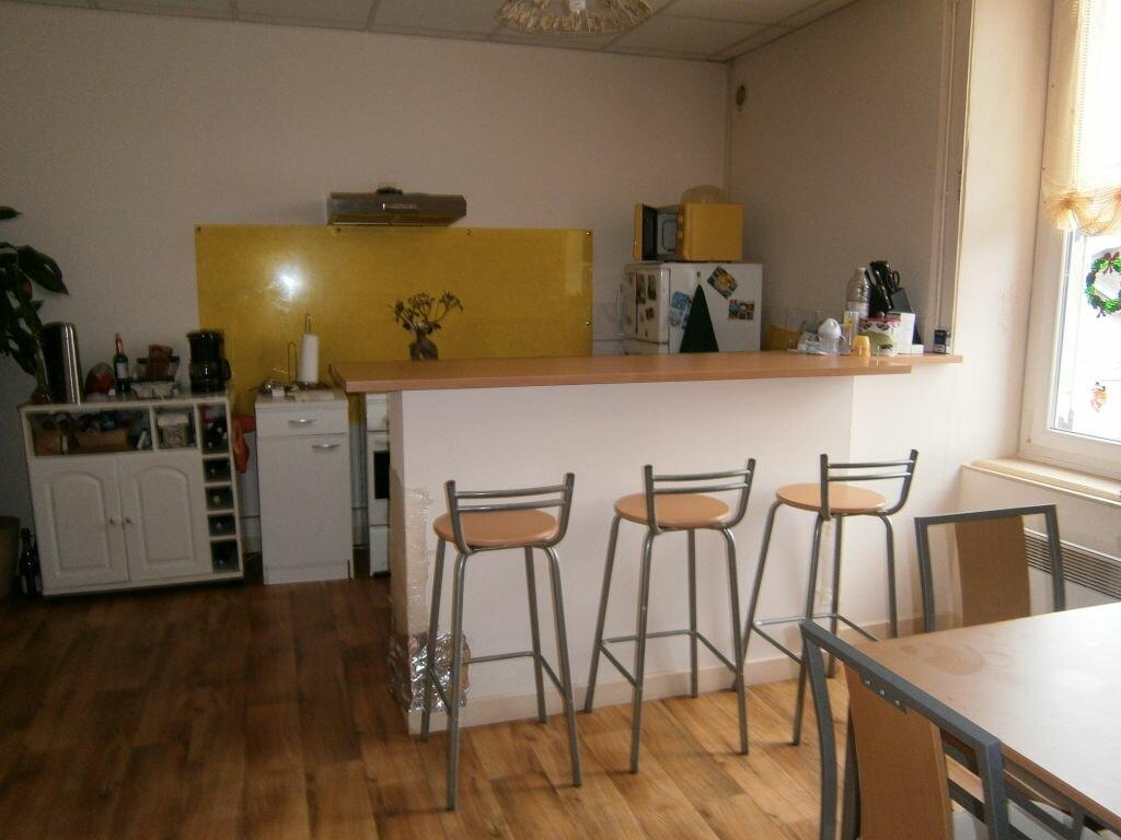 Location Appartement 4 pièces à Isle - vignette-1