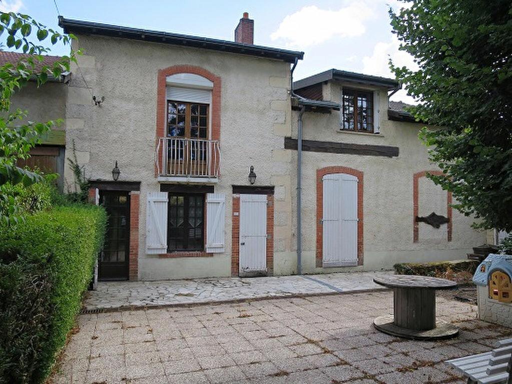 Achat Maison 6 pièces à Saint-Priest-Taurion - vignette-1