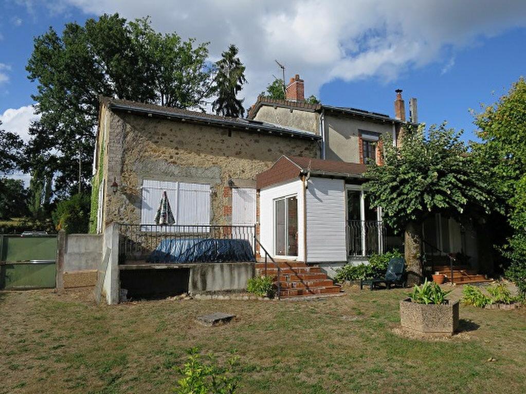 Achat Maison 6 pièces à Saint-Priest-Taurion - vignette-4