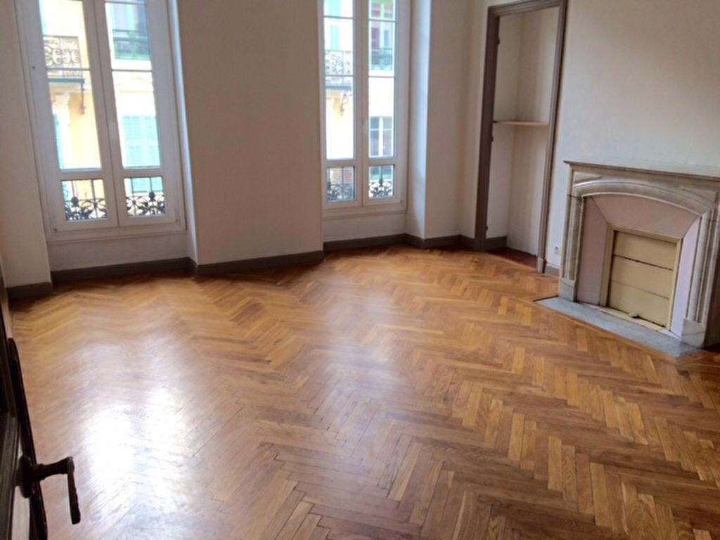 Location Appartement 4 pièces à Nice - vignette-1
