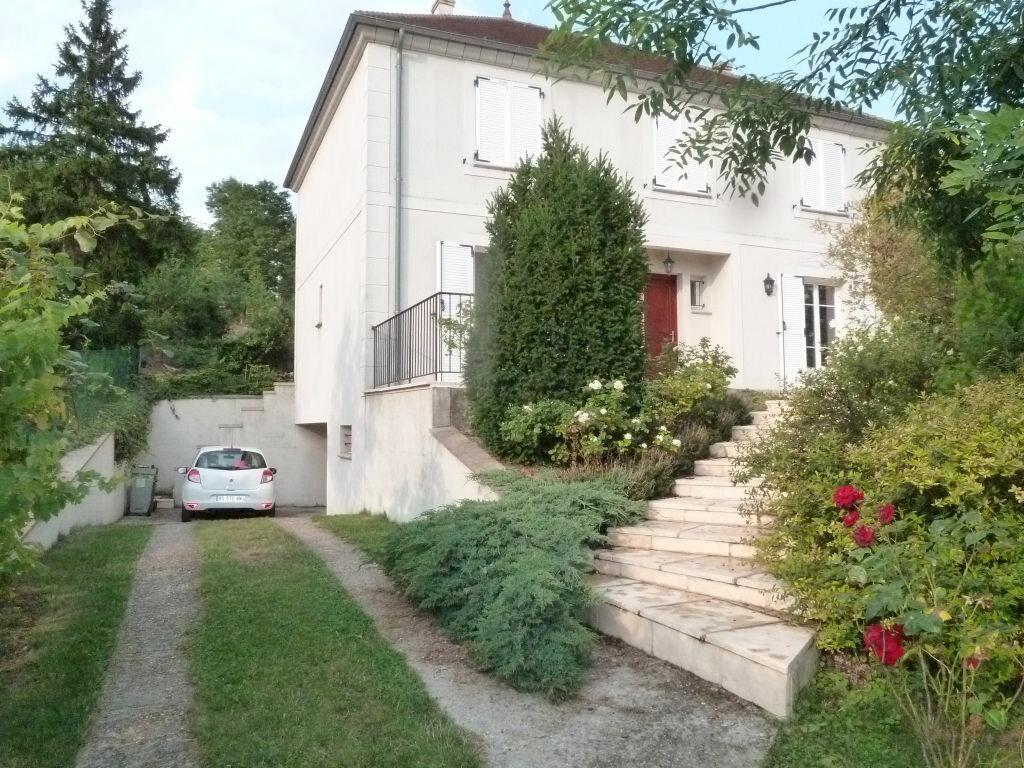 Location Maison 6 pièces à Triel-sur-Seine - vignette-1