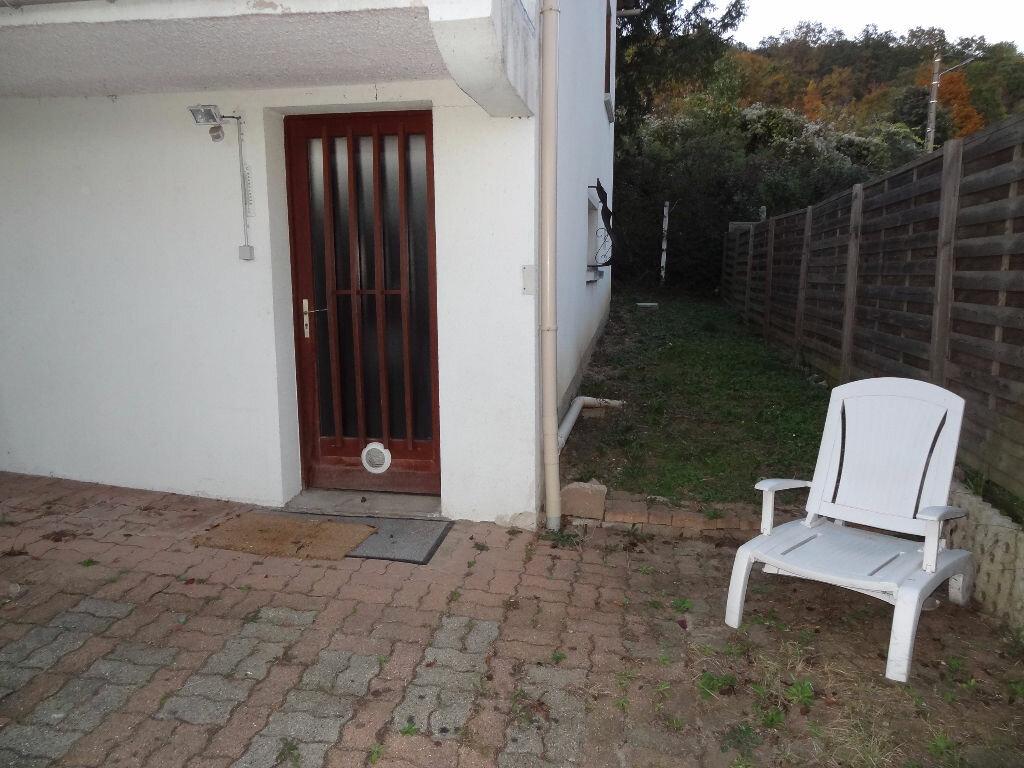 Location Appartement 1 pièce à Chanteloup-les-Vignes - vignette-1