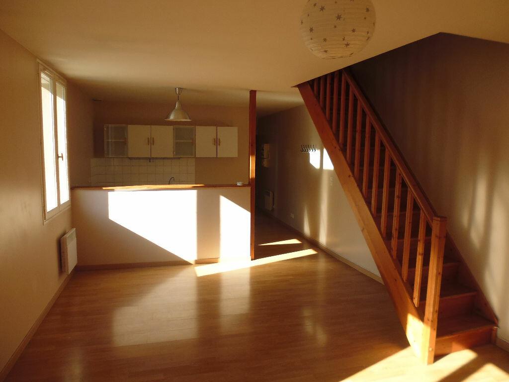Location Appartement 3 pièces à Triel-sur-Seine - vignette-1