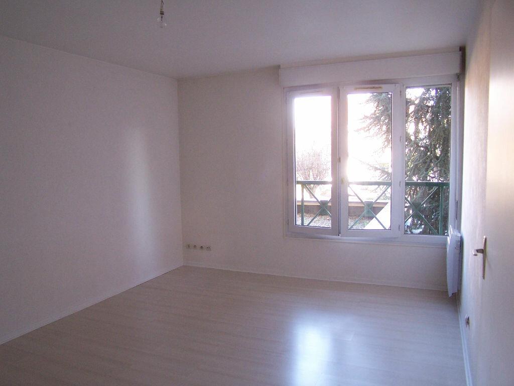 Location Appartement 2 pièces à Verneuil-sur-Seine - vignette-1