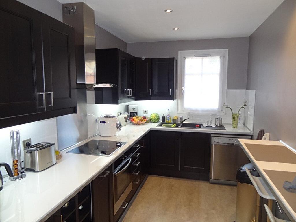Achat Appartement 4 pièces à Vaux-sur-Seine - vignette-2