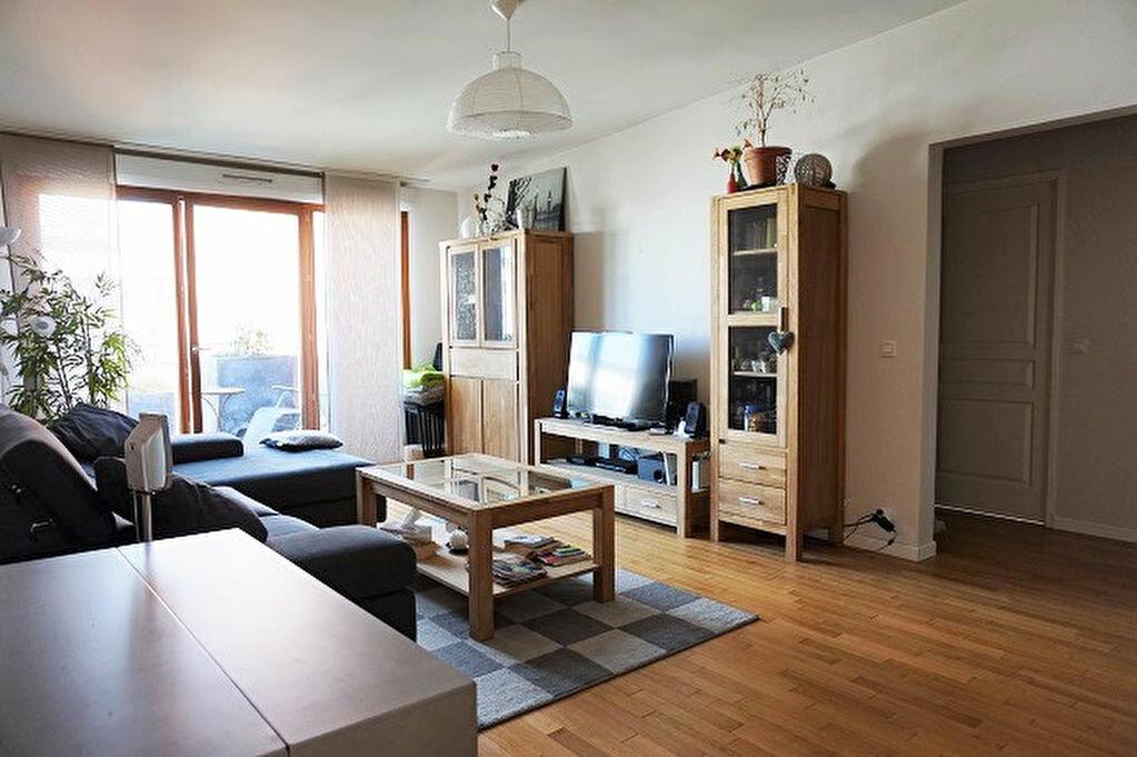 Achat Appartement 4 pièces à Carrières-sous-Poissy - vignette-1