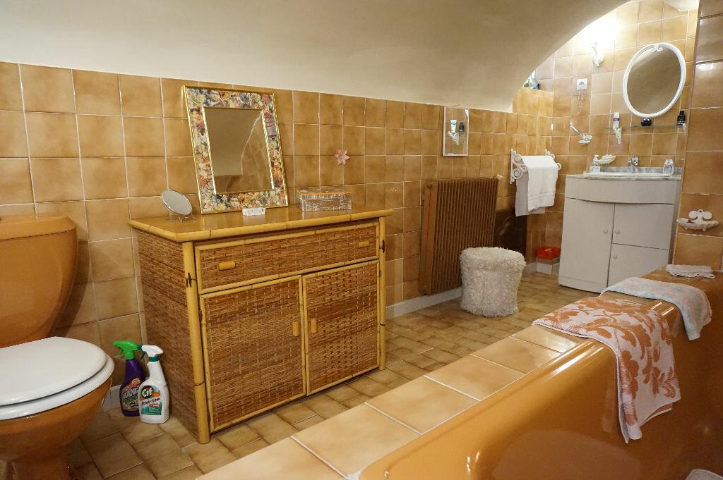 Achat Maison 4 pièces à Vaux-sur-Seine - vignette-4