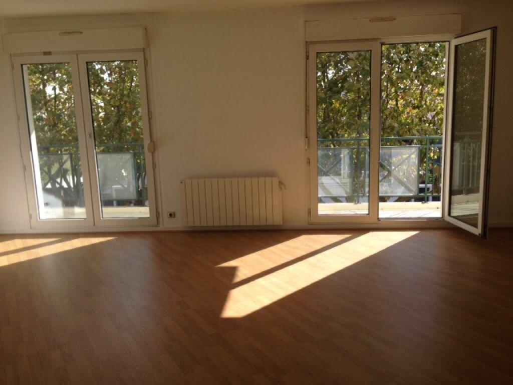 Location Appartement 3 pièces à Bourg-la-Reine - vignette-1