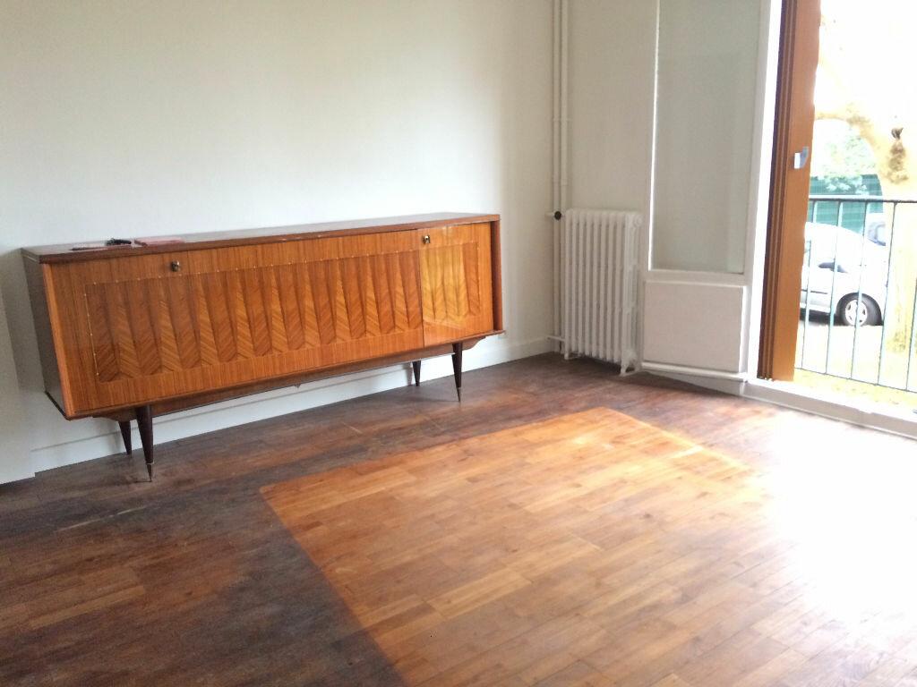 Achat Appartement 4 pièces à Villejuif - vignette-5