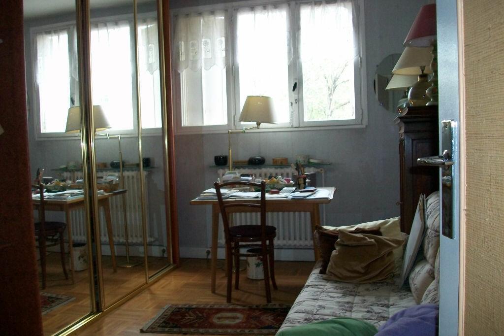 Achat Appartement 4 pièces à Bourg-la-Reine - vignette-3