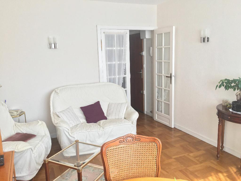 Achat Appartement 3 pièces à L'Haÿ-les-Roses - vignette-2