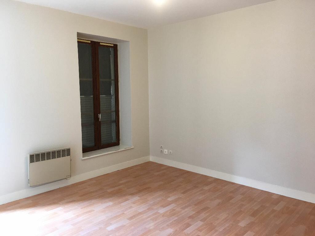 Achat Appartement 1 pièce à Chevilly-Larue - vignette-1