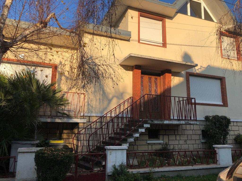 Location Maison 6 pièces à Bourg-la-Reine - vignette-1