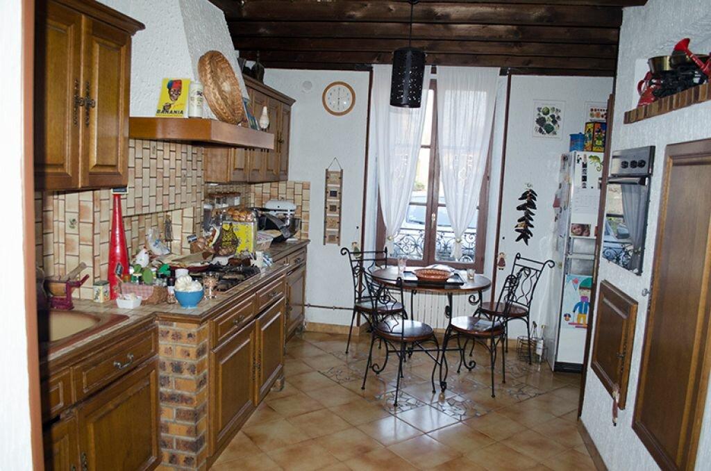 Achat Maison 4 pièces à Boissy-le-Châtel - vignette-2