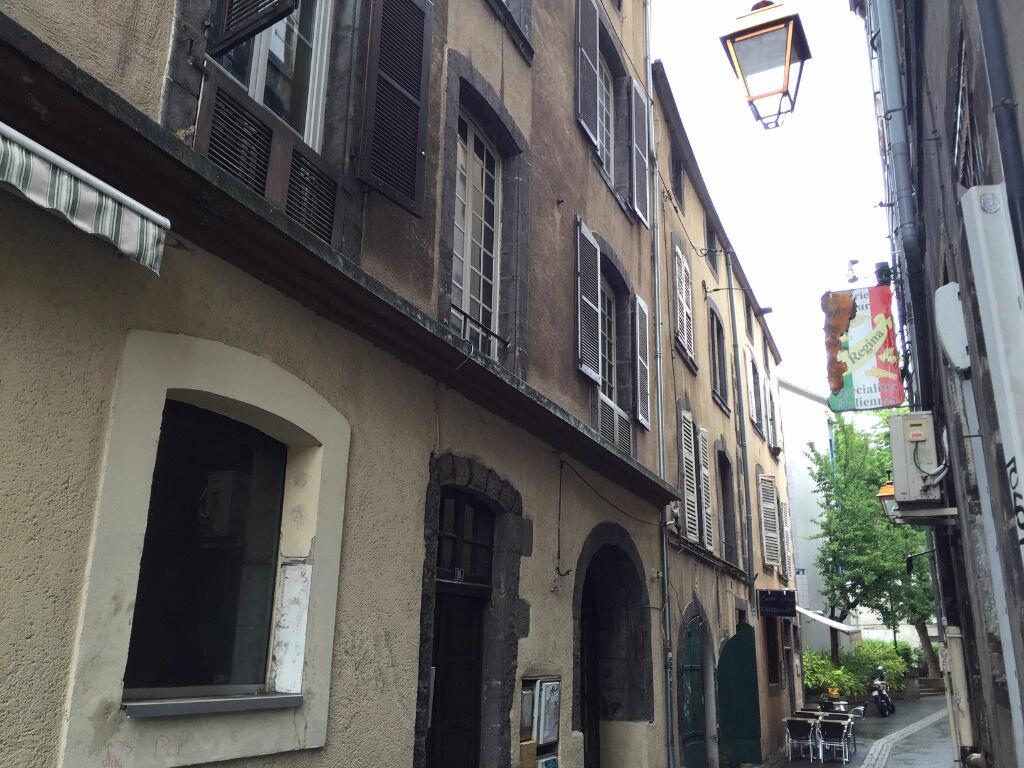 Location Appartement 1 pièce à Clermont-Ferrand - vignette-1