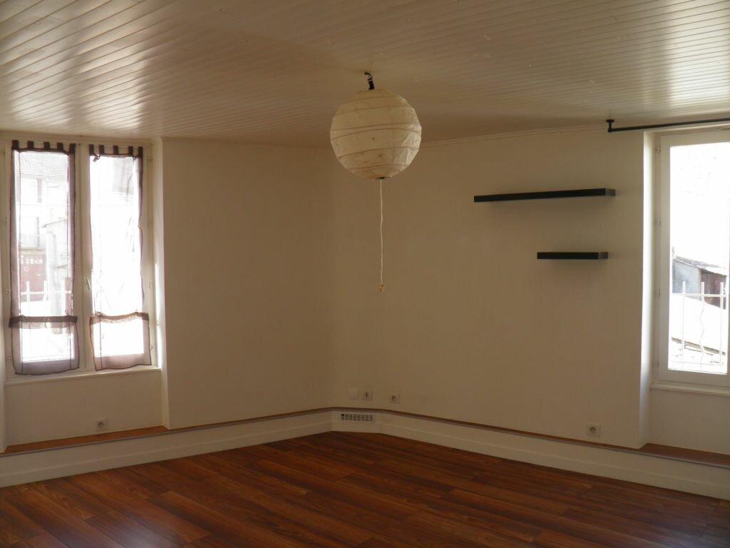 Location Maison 4 pièces à Nohanent - vignette-1