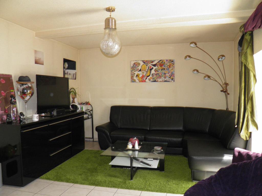 Location Appartement 3 pièces à Cébazat - vignette-1