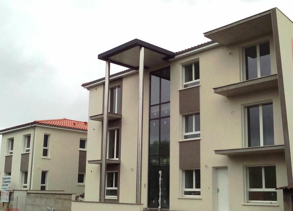 Location Appartement 3 pièces à Lempdes - vignette-1