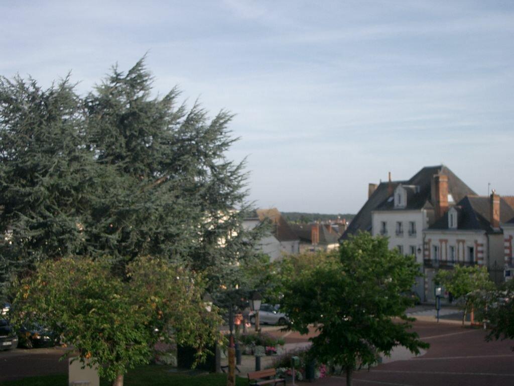 Location Appartement 4 pièces à Château-Renault - vignette-2