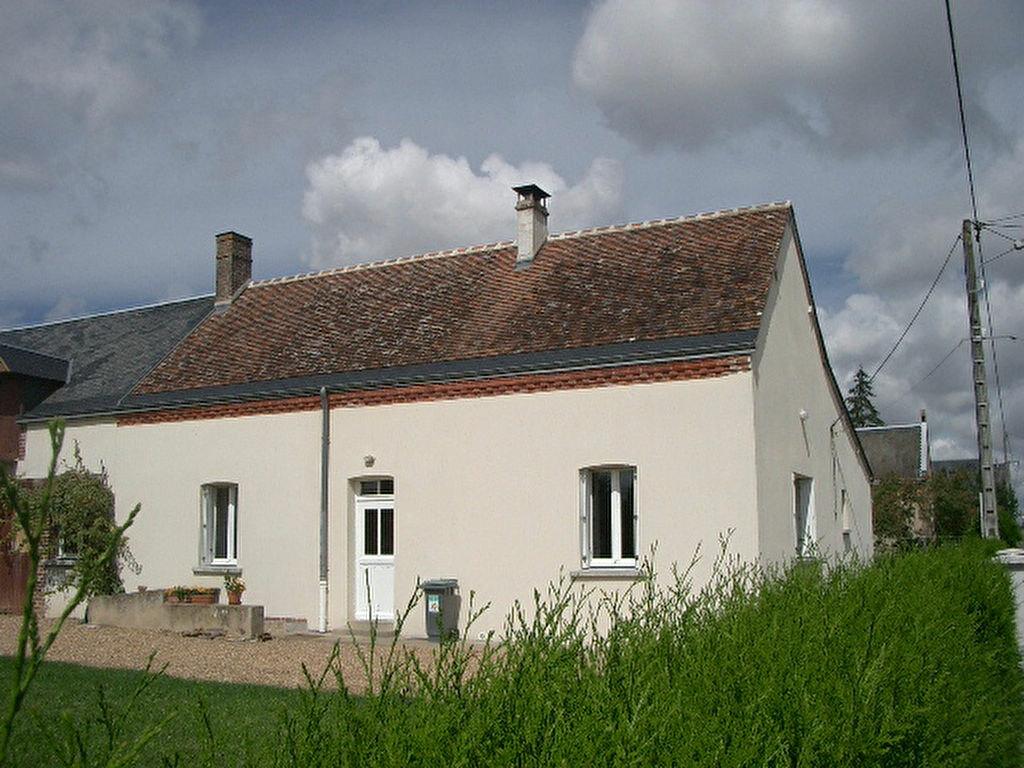 Location Maison 5 pièces à Monthodon - vignette-1