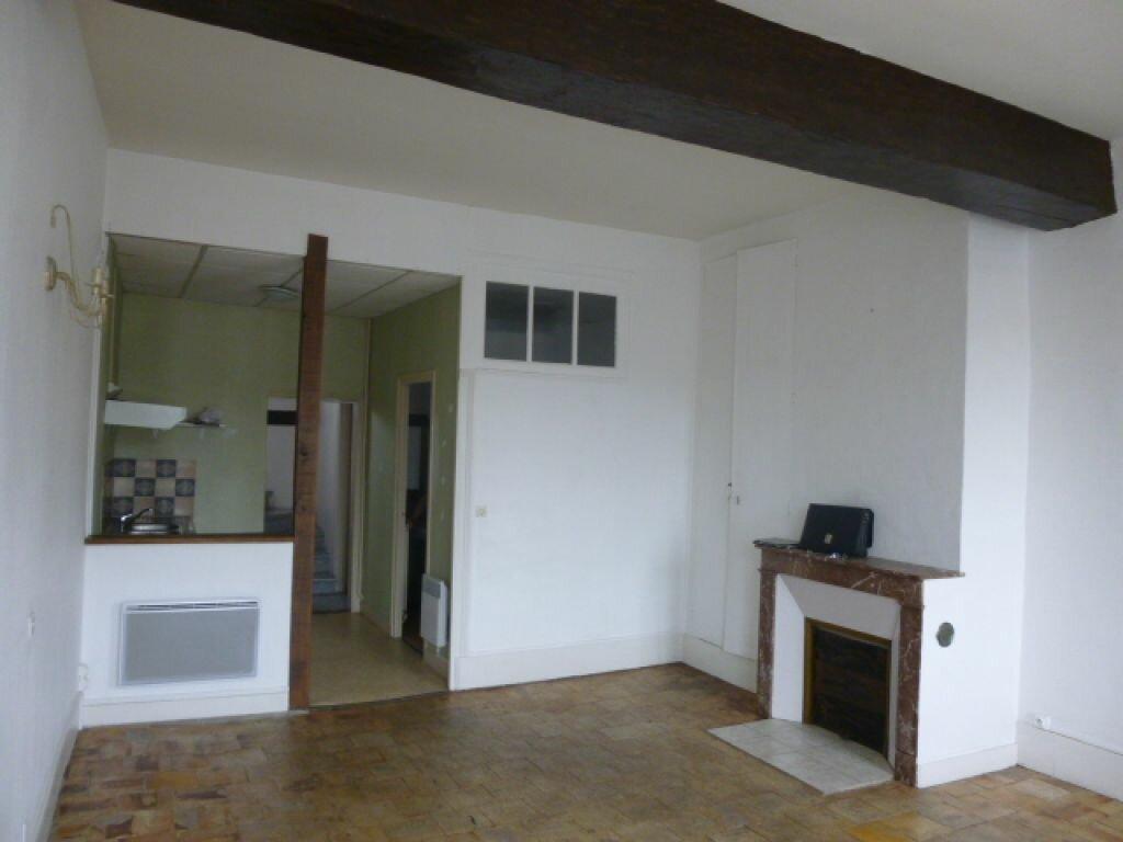 Location Appartement 4 pièces à Montoire-sur-le-Loir - vignette-1