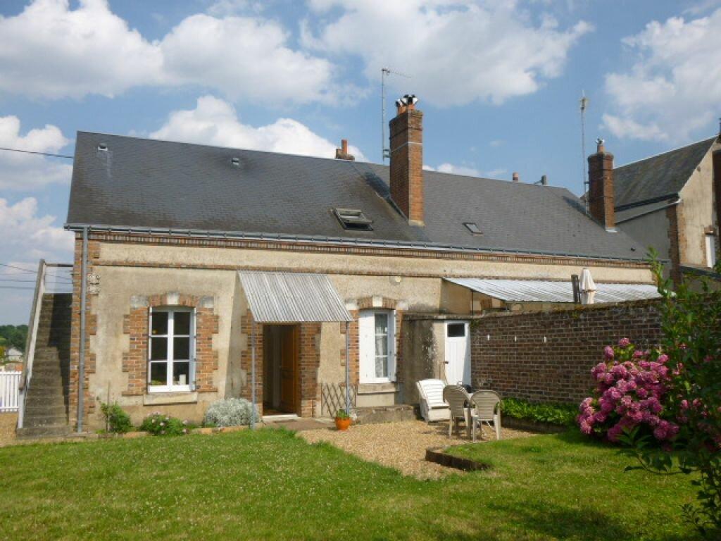 Location Maison 4 pièces à Château-Renault - vignette-1