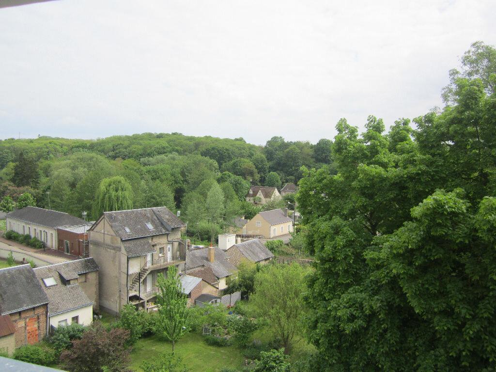 Achat Appartement 1 pièce à Château-Renault - vignette-1
