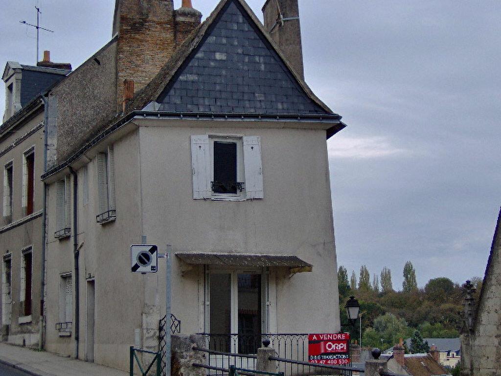 Achat Maison 6 pièces à Château-Renault - vignette-1