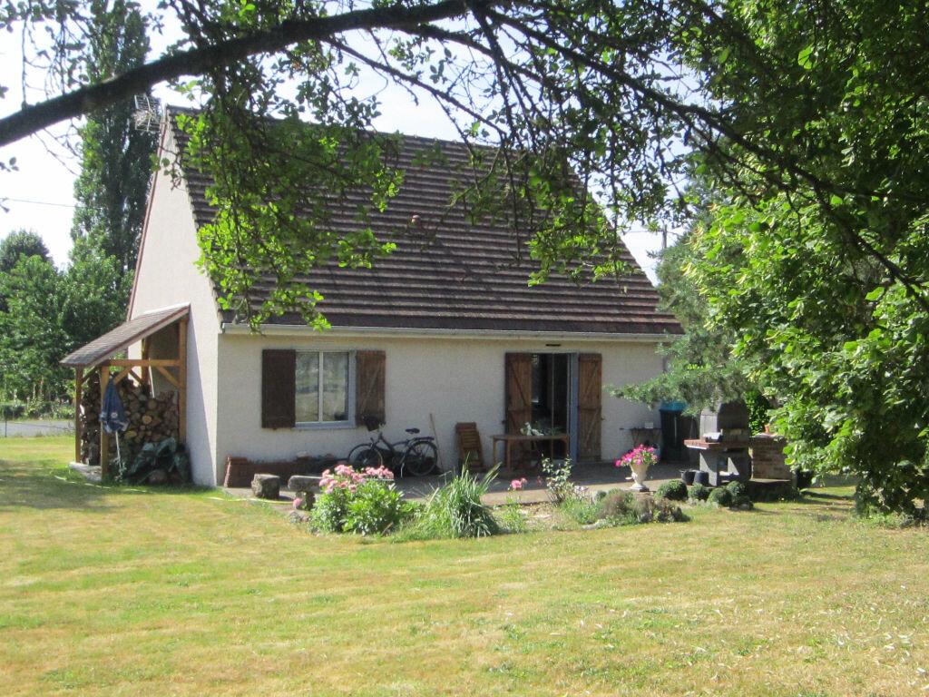 Achat Maison 4 pièces à Neuillé-le-Lierre - vignette-1