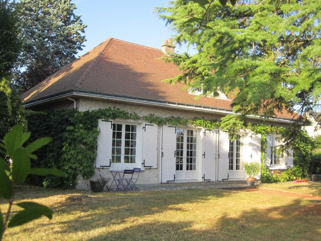 Achat Maison 4 pièces à Beaumont-la-Ronce - vignette-1