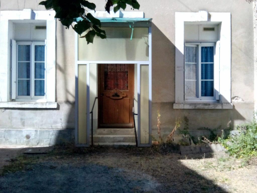 Location Maison 2 pièces à Château-Renault - vignette-2