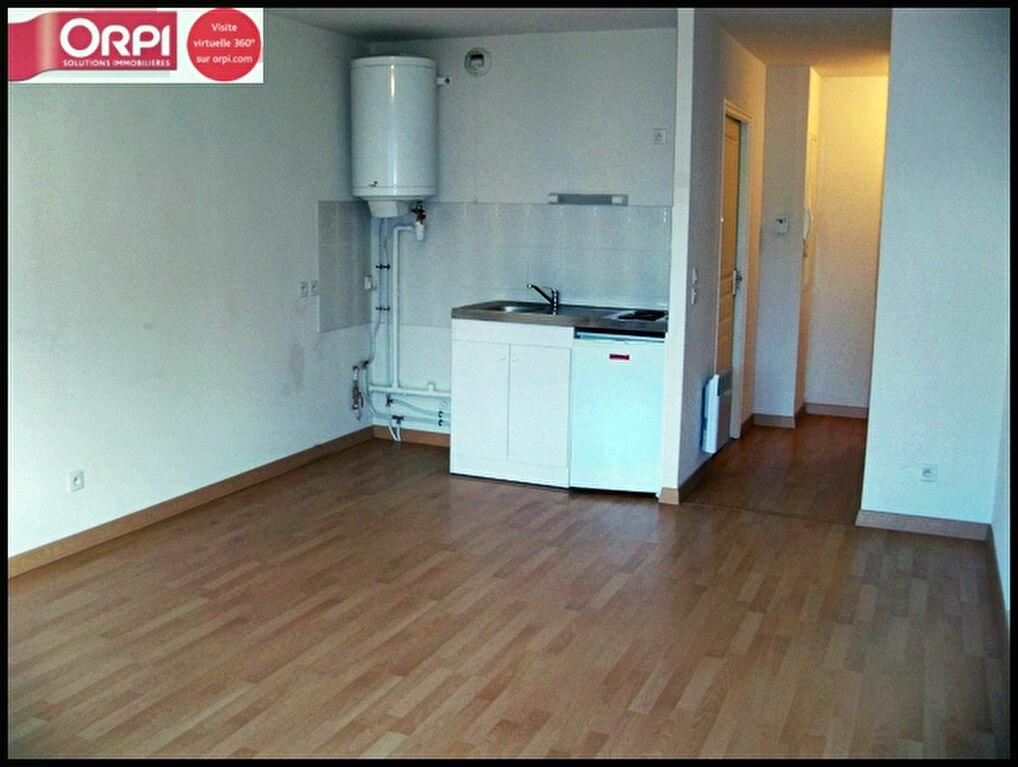 Achat Appartement 1 pièce à Lorient - vignette-3