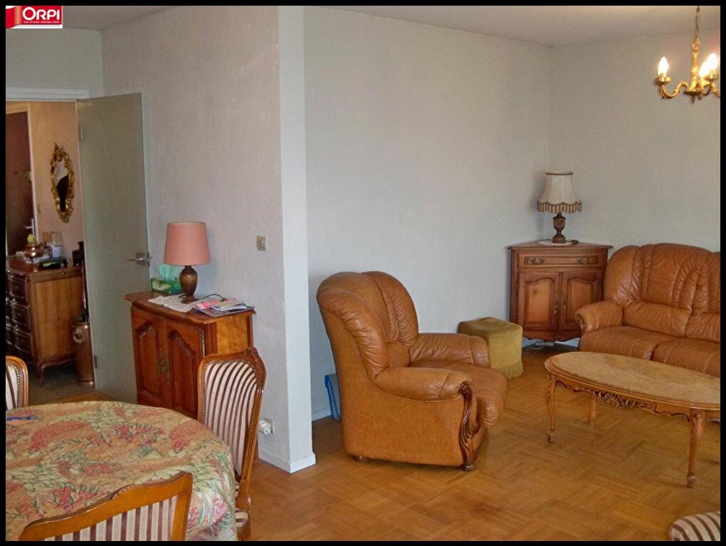 Achat Appartement 4 pièces à Lorient - vignette-11
