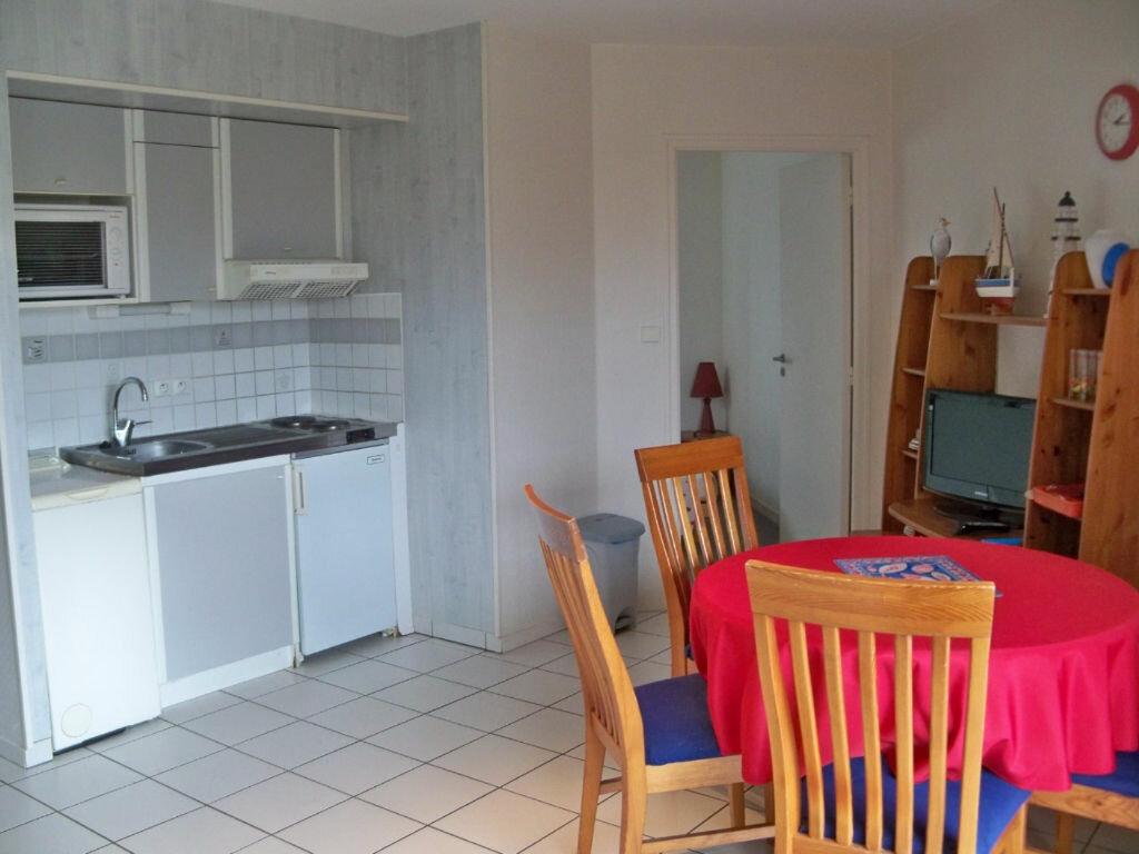 Location Appartement 2 pièces à Larmor-Plage - vignette-2