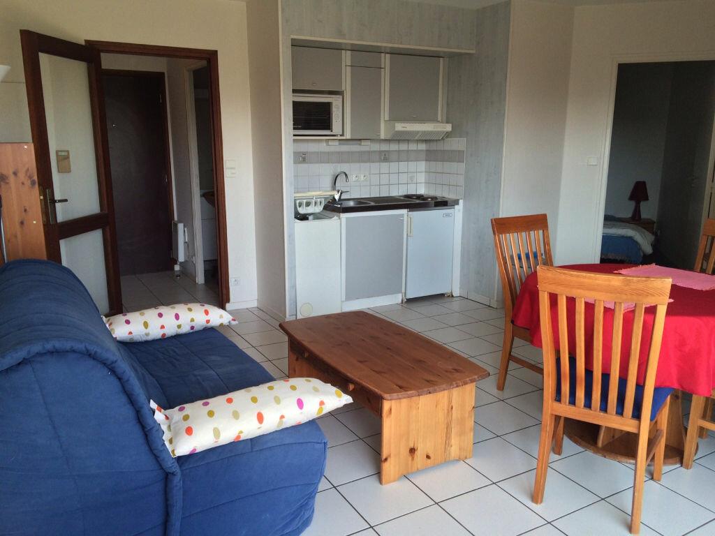 Location Appartement 2 pièces à Larmor-Plage - vignette-5