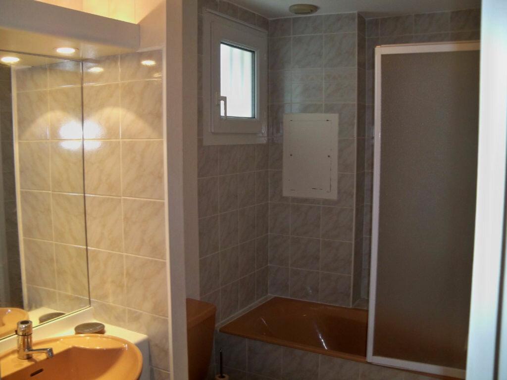 Location Appartement 2 pièces à Larmor-Plage - vignette-10