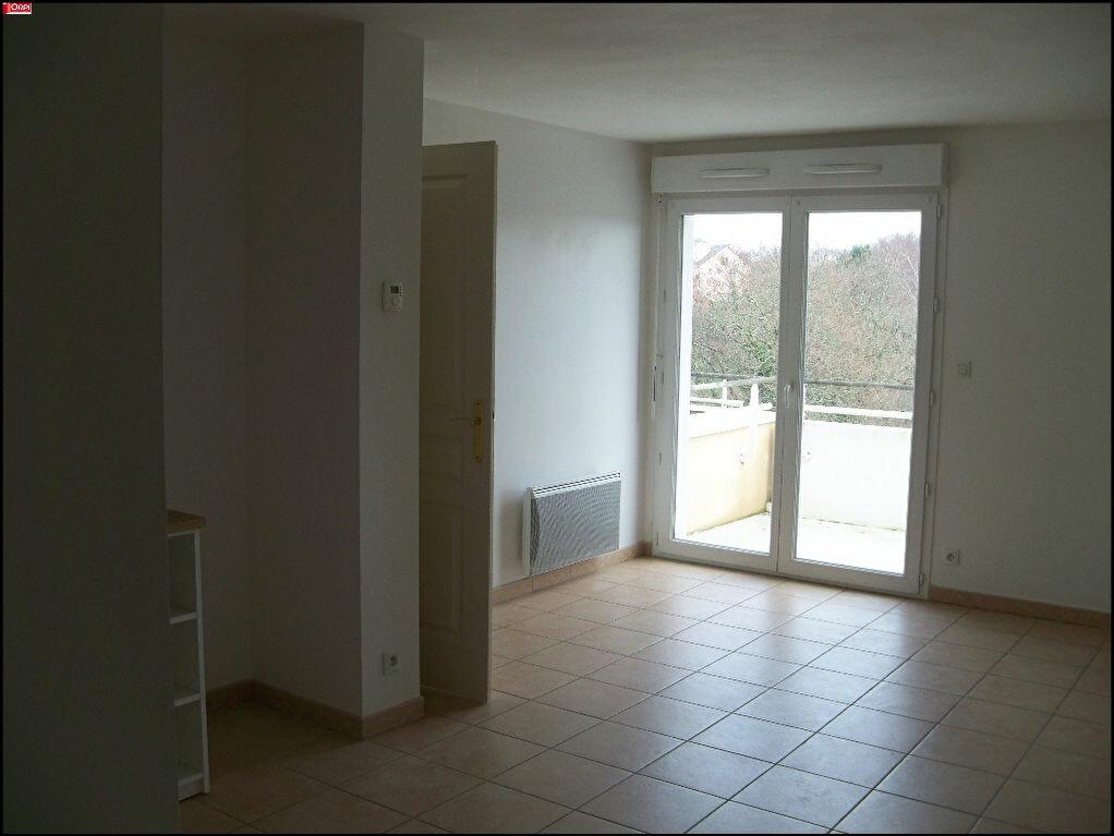 Location Appartement 2 pièces à Hennebont - vignette-2
