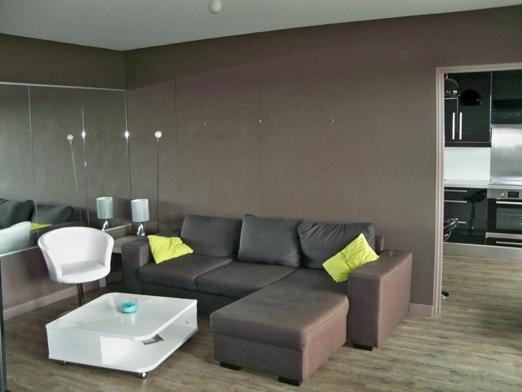 Location Appartement 3 pièces à Lorient - vignette-1
