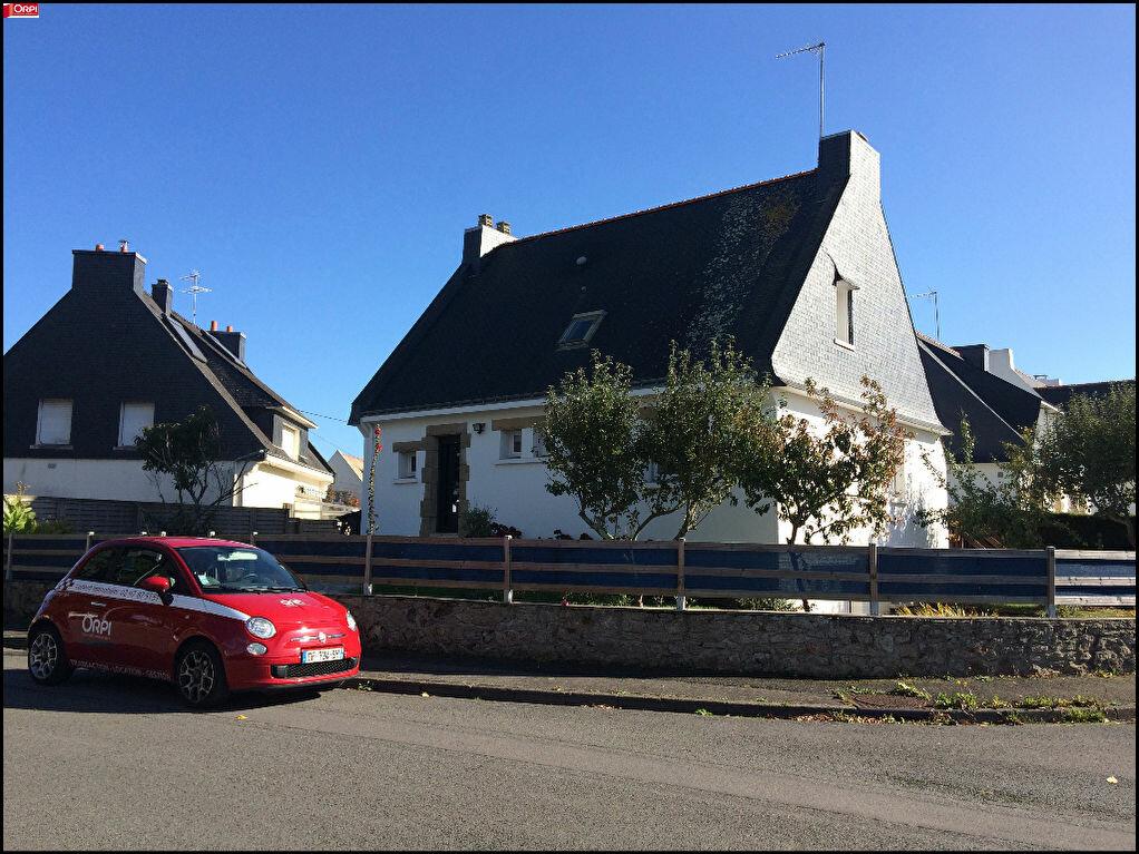 Location Maison 6 pièces à Larmor-Plage - vignette-1