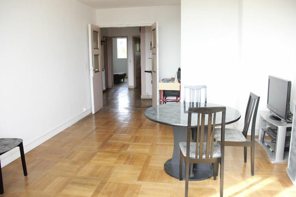 Achat Appartement 3 pièces à Les Lilas - vignette-1