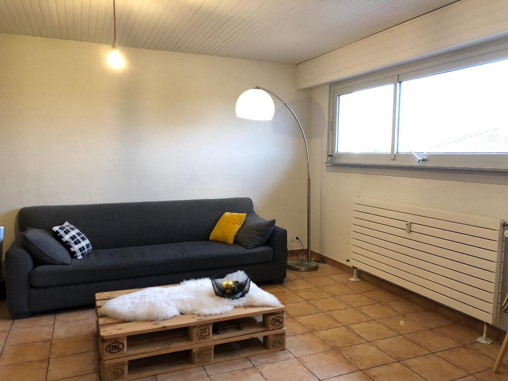 Location Appartement 2 pièces à Veigy-Foncenex - vignette-1