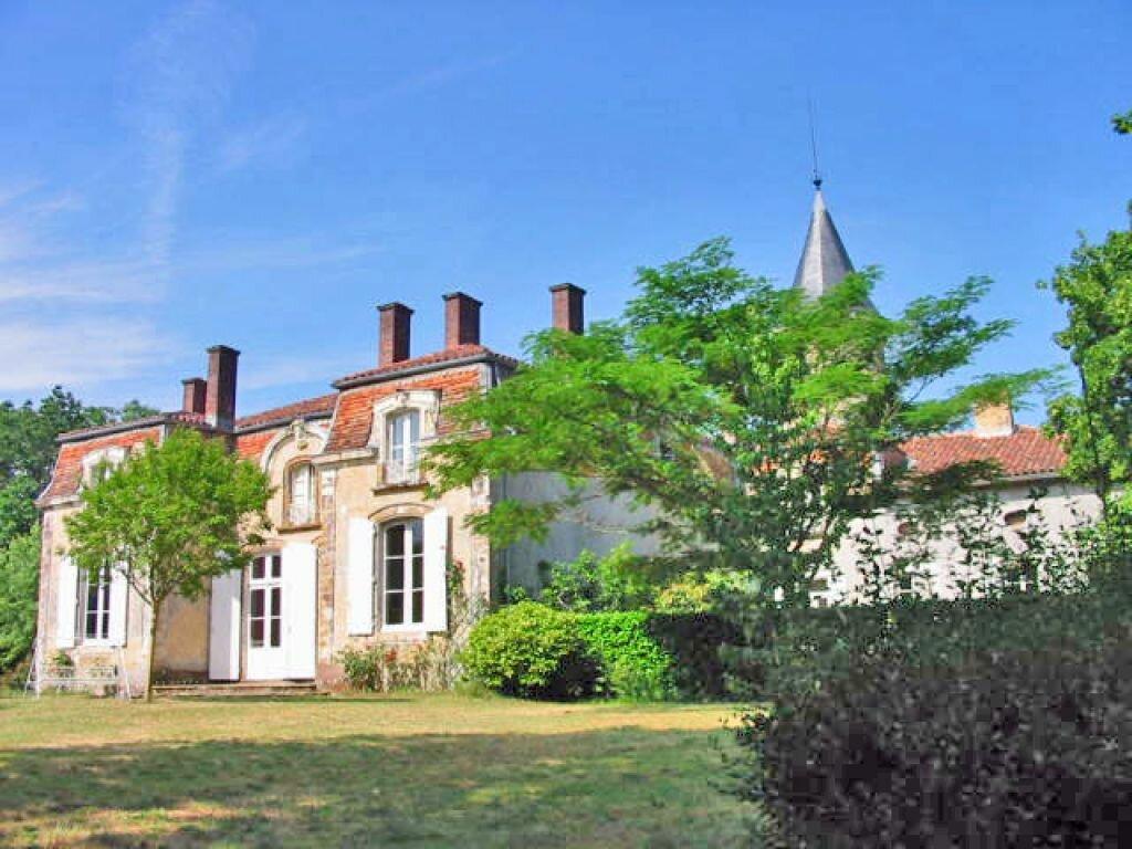 Achat Maison 15 pièces à Uchacq-et-Parentis - vignette-1