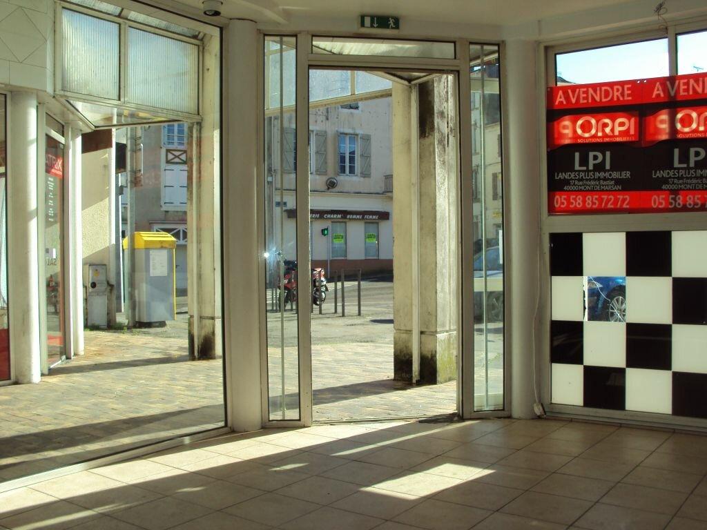 Location Local commercial  à Mont-de-Marsan - vignette-3
